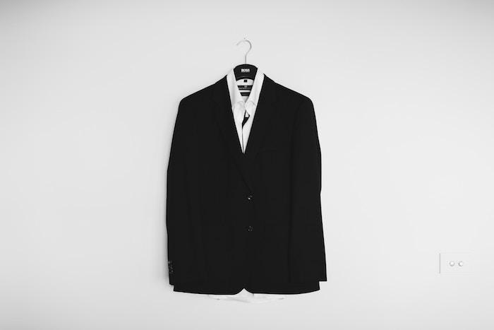 ブラック企業から公務員に転職した方法と試験・面接対策